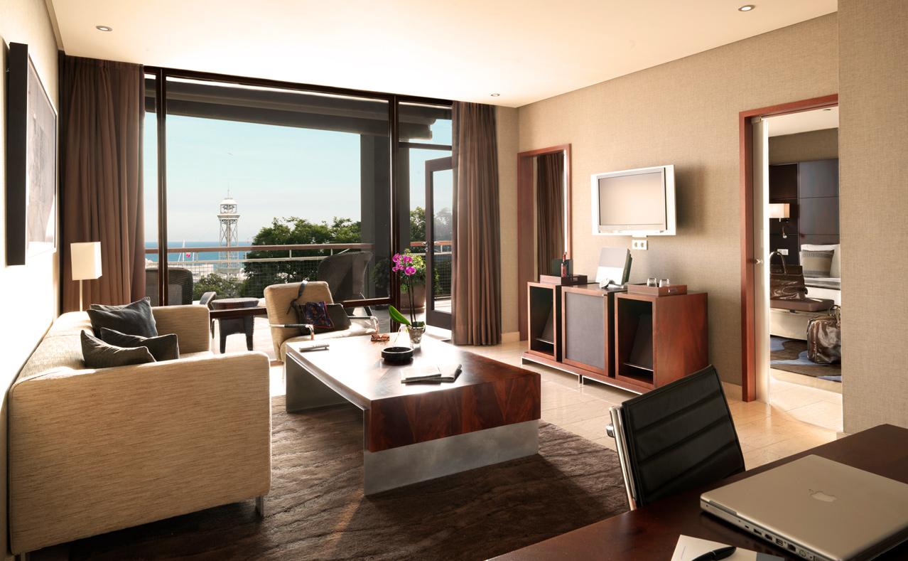Hotel miramar barcelona hotel cinco estrellas gran lujo - Fotos de habitaciones de lujo ...